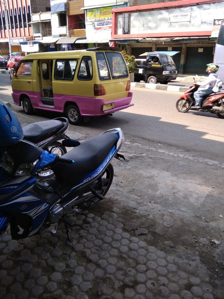 angkutan umum di karawang