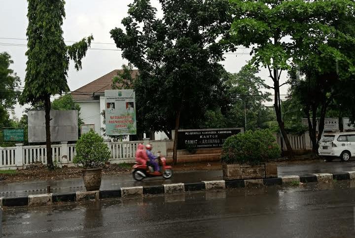 kantor kecamatan karawang timur